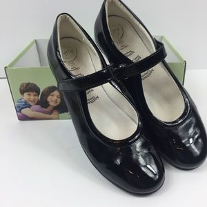 New in Box Primigi Black Patent Mary Janes - Sz 39